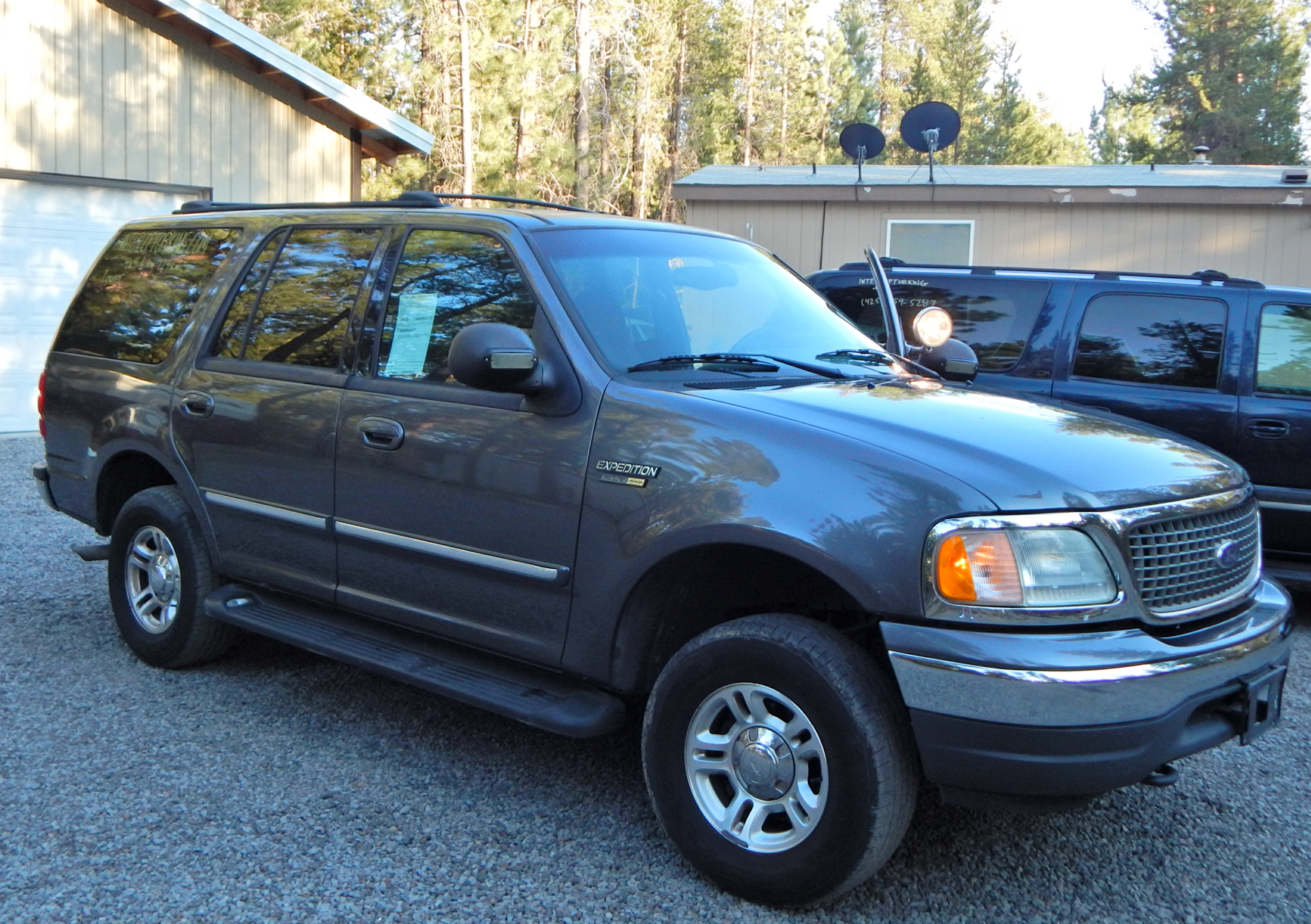 ford expedition xlt  interceptor king